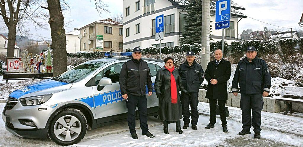 POLICJA W ŁUKOWICY Z NOWYM SAMOCHODEM