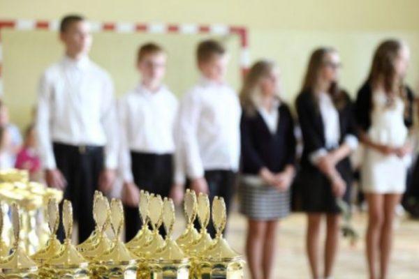 Nagrody dla uczniów za osiągnięcia naukowe, artystyczne i sportowe