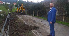 Prace przy drodze gminnej w Roztoce
