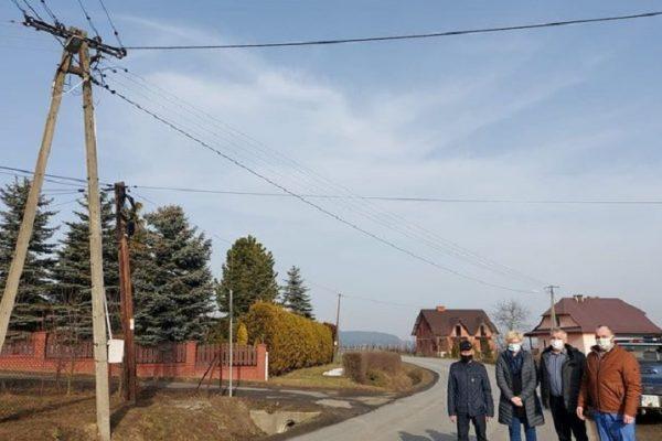Nowe oświetlenie w Łukowicy przy drodze powiatowej – Czartowskiej
